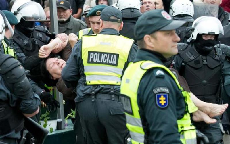 Policija salina kliuti Laimute Kediene